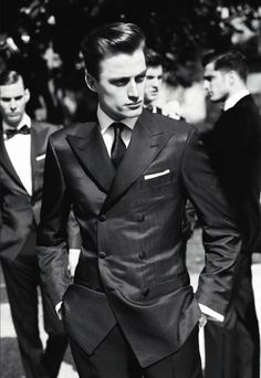 The way men should dress to impress.