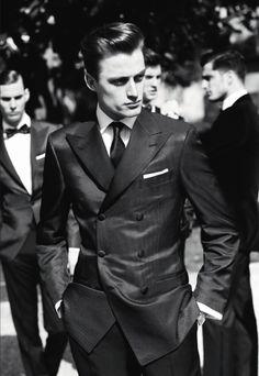 The way men should dress to impress.