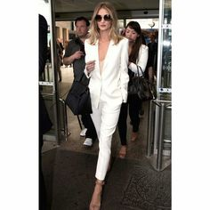 13 celebrity summer suits: Rosie Huntington-Whiteley's stuns in a white pants suit a nude pumps The summer dress has nothing on this breezy power play. Fashion Mode, Work Fashion, New York Fashion, Womens Fashion, Fashion Trends, Runway Fashion, Style Fashion, Monochrome Fashion, Paris Fashion