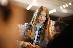 Gigi Hadid || backstage @ Versace S/S 2017, Milan Fashion Week (September 23, 2016)