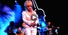 """Dolly Parton Sings Led Zeppelin's """"Stairway To Heaven"""""""