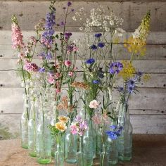 Blumentopf Ideen I personally love picking flowers in my house . Photo published by Traumhaus on Sp Cut Flowers, Beautiful Flowers, Flowers Garden, Wild Flower Arrangements, Spring Wedding Centerpieces, Diy Flower Centerpieces, Vintage Centerpieces, Deco Champetre, Deco Nature