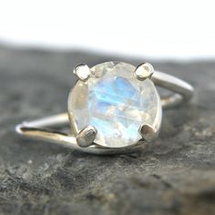 Rainbow Moonstone Engagement Ring in Sterling Silver, Rainbow Moonstone Ring, Moonstone Jewelry, Spa
