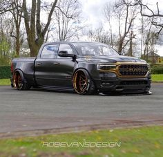 Lowrider Trucks, Ram Trucks, Dodge Trucks, Cool Trucks, Toyota Trucks, Mopar, Jeep Srt8, Dropped Trucks, Lowered Trucks