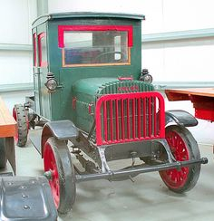 1920 collier was in hays truck museum in CA. now in bellview ohio were it was made.