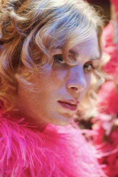 Cillian Murphy as Kitten in Breakfast on Pluto. Oh momma! Cillian Murphy, Amanda Young, Catherine Marshall, Werner Herzog, Cheryl Burke, Tim Roth, Black Authors, Tony Curtis, Movies