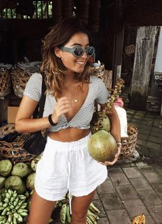 Nice 55 Stunning Womens Crop Tops Outfit Ideas. More at http://trendwear4you.com/2018/03/25/55-stunning-womens-crop-tops-outfit-ideas/