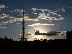 SEMANA DE ANIVERSÁRIO DE BRASÍLIA Deixemos entregues ao esquecimento e ao juízo da história os que não compreenderam e não amaram esta obra. Torre de Brasília