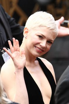 Michelle Williams Haircut 2017 Oscars Best Hairstyles Of The 2017 Oscars Michelle Williams, Beauty At The Oscars 2017 Oscars 2017 Hollywood Waves And Makeup, Celebrity Short Pixie Haircuts At 2017 Oscars Popsugar Celebrity, Short Pixie Haircuts, Pixie Hairstyles, Cute Hairstyles, Short Hair Cuts, Michelle Williams Oscar, Michelle Williams Haircut, Super Short Pixie, Hollywood Waves, Michelle Trachtenberg