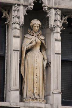 Statue of Queen Mary Stuart, Queen of Scots, in 143-144 Fleet Street, London.
