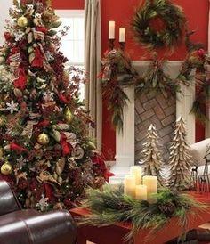 christmas style Christmas Mantels, Noel Christmas, Country Christmas, Winter Christmas, Christmas Tree Decorations, Christmas Crafts, Christmas Vignette, Christmas Fireplace, Natural Christmas