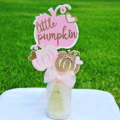 Perfect for baby girl showers or birthday parties, this Little Pumpkin decoration makes a cute tabletop centerpiece. Baby Shower Menu, Baby Girl Shower Themes, Girl Baby Shower Decorations, Baby Shower Fall, Baby Shower Centerpieces, Fall Baby, Fall 1st Birthdays, Pumpkin 1st Birthdays, Pumpkin Birthday Parties