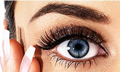 If you wonder how to grow your eyelashes and eyebrows, let me share with you a great DIY hair growth serum recipe. Long eyelashes and perfect eyebrows. How To Grow Eyelashes, Longer Eyelashes, Fake Eyelashes, Permanent Eyelashes, Natural Eyelashes, Permanent Eyeliner, False Lashes, Makeup Tips For Blue Eyes, Bigger Eyes