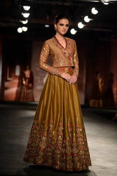Buy beautiful Designer fully custom made bridal lehenga choli and party wear lehenga choli on Beautiful Latest Designs available in all comfortable price range.Buy Designer Collection Online : Call/ WhatsApp us on : Indian Attire, Indian Wear, Pakistani Outfits, Indian Outfits, Indian Bridal Couture, Party Wear Lehenga, Bridal Lehenga, Lehenga Designs, Couture Week