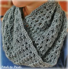 bellflower infinity scarf free pattern | infinity cowl / scarf crochet pattern | Yarn Work