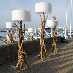 Gartenkunst aus Treibholz -lampen-weiss-gross-skulptur