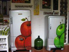 painted refrigerators argina seixas: geladeira personalizada