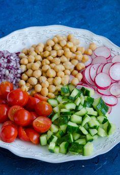 Salata cu ton si naut - Din secretele bucătăriei chinezești Beans, Vegetables, Recipes, Food, Beans Recipes, Veggies, Vegetable Recipes, Meals, Eten