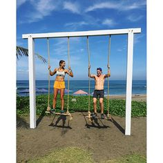 Adsey teaching me a thing or two about swing technique ✌️@_adamdunne #canggu #bali amandabisk