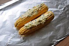Gegrillter Mais - Maiskolben mit Basilikum-Limetten-Butter-gegrillter mais-Gegrillter Mais Maiskolben 03