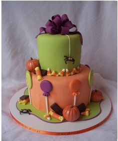 Enjoy this HALLOWEEN CAKE gallery album you will find quite a few (total of pictures that you can browse, enjoy, comment upon and discuss. Plus upload and share your own Halloween Cake pics plus read other people's opinions. Cute Halloween Cakes, Halloween Birthday Cakes, Theme Halloween, Halloween Treats, Easy Halloween, Pretty Cakes, Cute Cakes, Beautiful Cakes, Amazing Cakes