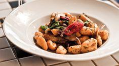 «Voici ma recette de gnocchis à base de purée de patates sucrées. Je vous conseille de cuire les gnocchis la veille et de les mettre... Benoit, Kung Pao Chicken, Chefs, Pasta, Voici, Meat, Ethnic Recipes, Food, Gnocchi