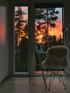 Sunset views - Home office Butterfly Chair, Home Office, Sunset, Home Decor, Decoration Home, Room Decor, Home Offices, Sunsets, Office Home