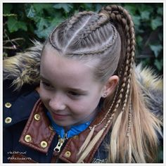 Dutch braids and micro braids into ponytail. Kids Braided Hairstyles, Braided Ponytail, Little Girl Hairstyles, Ponytail Hairstyles, Pretty Hairstyles, Kids Hairstyle, Wave Hairstyle, Braids Into Ponytail, Everyday Hairstyles