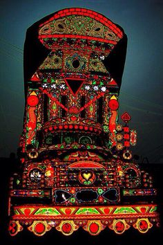 Pakistan Truck Art. Amazingly Beautiful!