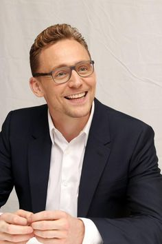 Tom Hiddleston at the #ISawTheLight Press Conference at the Fairmont Royal York on Sept 11, 2015. via torrilla