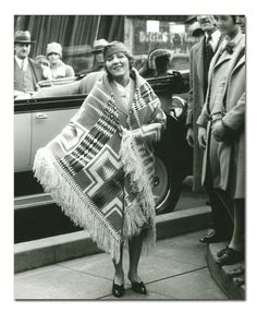 Mary Pickford with a fringed Harding Shawl (Pendleton). 1920s.