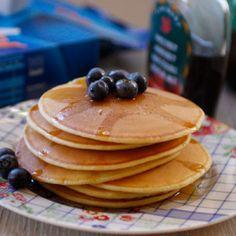 Pancakes alla vaniglia con mirtilli e sciroppo d'acero per #ricettesenzapensieri