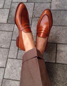 Pictoturo - lacasuarina:   Sockless Summer.    Panta  Carmina