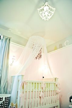 Shabby chic nursery @ Project Nursery