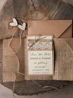 Rustic country burlap and kraft paper save the date #weddingideas #fallwedding #countrywedding #rusticwedding