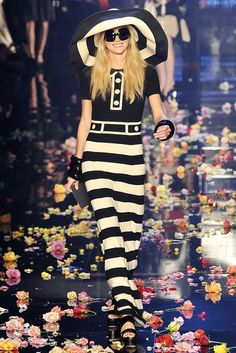 Sonia Rykiel Spring 2009 Ready-to-Wear - Collection - Gallery - Style.com