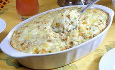 O arroz de Forno  fica cremoso, por causa do requeijão e do queijo. (Foto: Divulgação)