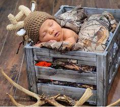 Baby Tritte, Baby Boy Newborn, Baby Sleep, Newborn Baby Boy Pictures, Newborn Photos Boys, Country Babys, Baby Boy Country, Country Baby Pictures, Hunting Baby Pictures