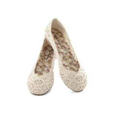 ModCloth Loop Me (51 ILS) ❤ liked on Polyvore featuring shoes, flats, zapatos, casual, cream, crochet, solid, embellished shoes, crochet flat shoes and pointy shoes