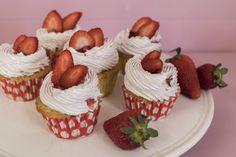 Cupcake Youtube, Cupcakes, Breakfast, Desserts, Food, Morning Coffee, Tailgate Desserts, Cupcake Cakes, Deserts