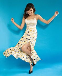 Shirley Setia's Netflix Debut Looks Super Promising! Bollywood Gossip, Bollywood Actress, Shirley Setia, Tie Up Heels, Stylish Girl Pic, Black Tie, Indian Beauty, Like4like