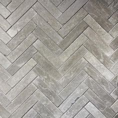 sten i rabatt Sponsored post: Nu fr du som fljer T - rabatt Stone Floor Texture, Tiles Texture, Outside Flooring, Hall Tiles, Rooftop Lounge, Limestone Flooring, Tadelakt, Toilet Design, Types Of Flooring
