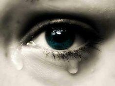 Lo cercava da sempre. Gli occhi le si rimpirono di lacrime.