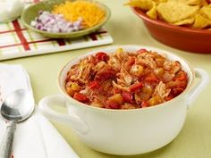 TOP TAILGATING CHILI RECIPES: ~ From: Food Network. ~ A photogalary of of our best Tailgating Chili Recipes. ~ Use these tasty chili recipes as the show-stopper at your next tailgate. Food Network Recipes, Food Processor Recipes, Cooking Recipes, Healthy Recipes, Yummy Recipes, Cooking Tips, Barefoot Contessa, Ina Garten Chicken Chili, Chefs