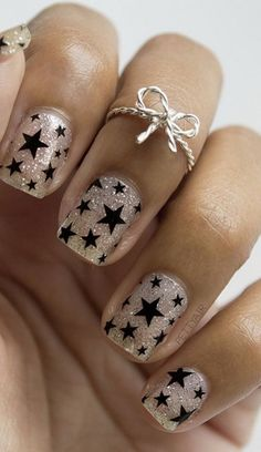 Cool Star Nail Art Designs With Lots of Tutorials and Ideas Black Star Nails. This is all sorts of perfect! I love it, so clever! This is all sorts of perfect! I love it, so clever! Star Nail Designs, Simple Nail Art Designs, Fall Nail Designs, Beautiful Nail Designs, Beautiful Nail Art, Acrylic Nail Designs, Easy Nail Art, Acrylic Nails, Fingernail Designs