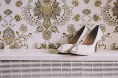 Peep toe ivory stilettos | Photography by http://www.saralincolnphotography.co.uk/