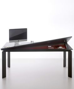 Runner table by Citterio | #design Marco Acerbis #office