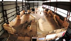 Risultati immagini per indoor skateboard park Skateboard Ramps, Skateboard Pictures, Aggressive Skates, Skate Ramp, Youth Center, Bike Parking, Longboarding, Building Design, Mountain Biking