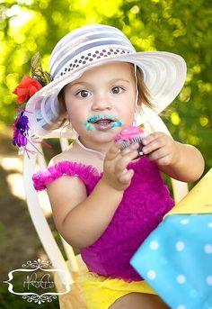 Cutie!  http://rachaelcookphotos.blogspot.com/