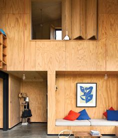 #plywoodinterior #plywoodwall #plywoodbench photo Dwell Magazine